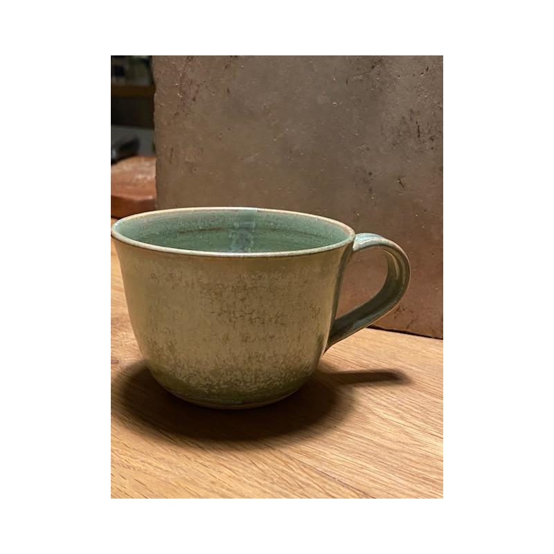 Grön handgjord keramik kopp