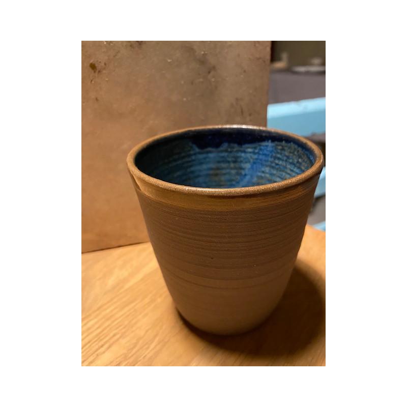 Blå handgjord keramik lattemugg